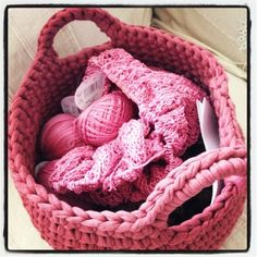 knitted yarn basket.  I love this look but the instructions are not in English!