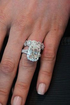 Incredibly Beautiful Diamond Engagement Rings ★ See more: https://ohsoperfectproposal.com/diamond-engagement-rings/ #engagementring #proposal