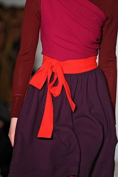 Sophie Theallet FW 2012 Love the color Fashion Colours, Fashion Details, Look Fashion, Womens Fashion, Fashion Design, Fall Fashion, Inspiration Mode, Color Inspiration, Vogue