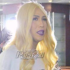 Vice Ganda, pinuno ang Araneta; pinatunayang siya pa rin ang Phenomenal Star http://www.pinoyparazzi.com/vice-ganda-pinuno-ang-araneta-pinatunayang-siya-pa-rin-ang-phenomenal-star/