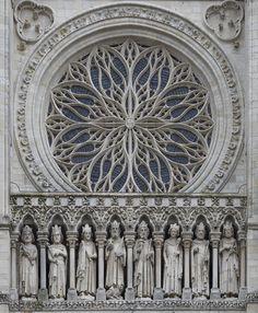 Détails de la façade de la cathédrale Notre-Dame d'Amiens