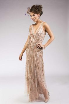 Long glitter dress, Gatsby style... Love it !   Anne-Sophie SMARTSHOPPING Gatsby Theme, Gatsby Style, Gatsby Outfit, Glitter Dress, Marrying My Best Friend, Beautiful Dream, Prom Dresses, Formal Dresses, Dress To Impress