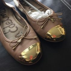 SAM EDELMAN BALLET FLATS Sam Edelman two-tone gold-toe ballet flats Gently loved, no scratches like new  ❌trades ❌PayPal Sam Edelman Shoes Flats & Loafers