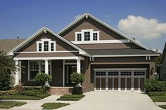 Exciting Craftsman Style Home Colors Exterior : Awesome Simple House Design With Old Beige Wall Tint And Veranda With Pillars Also Cool Gara. House Exterior Color Schemes, Wall Exterior, Exterior Paint Colors For House, Paint Colors For Home, Exterior Doors, Style At Home, Pintura Exterior, Stucco Homes, Simple House Design