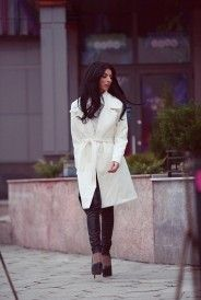 Collared White Coat https://megz-fashion.co.uk/collection/megz-lady-outwear/megz-aw-cashmere-long-coat