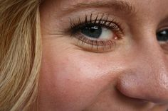 Consejos saludables para prevenir las arrugas en los ojos