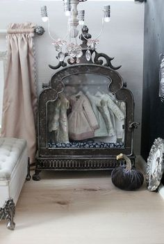 Can you believe this is for a dollhouse?! Amazing!