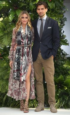 Olivia Palermo's Fall 2014 Ready-to-Wear Burberry Prorsum Silk Georgette Dress, Burberry Prorsum Floral Check Cashmere Scarf and Aquazzura Cutout Leather Sandals