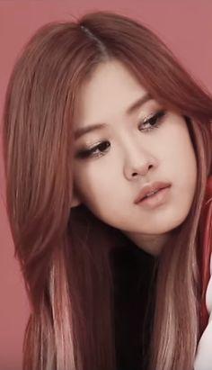 #Rosé #Chaeyoung #Park #YG #BlackPink #KPop