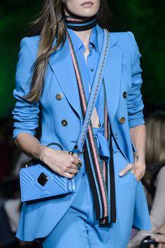 Elie Saab at Paris Fashion Week Spring 2018 - Details Runway Photos