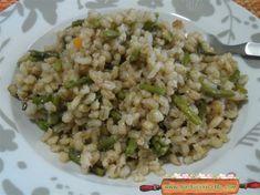 Orzotto agli asparagi , un primo piatto gustoso e sfizioso ! Questo orzotto agli asparagi è molto semplice da preparare , solo pochi ingredienti per ...