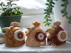 Clay chicken. This look like a great project for beginners.