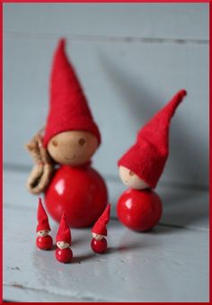 Little Christmas, Xmas, Wooden Beads, Elf On The Shelf, Mini, Diy And Crafts, Creations, Barbie, Dolls