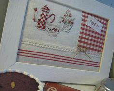 Cuisine tableau - love red and white Cross Stitching, Cross Stitch Embroidery, Cross Stitch Kitchen, Cross Stitch Finishing, Kitchen Themes, Album Photo, Le Point, Crochet, Needlepoint
