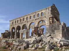 Byzantine basilica at Kharab Shams - Syria Byzantine Architecture, Architecture Old, Ancient Mysteries, Ancient Ruins, Syria Pictures, Ancient World History, Abandoned Cities, Fantasy Concept Art, Photo Chat