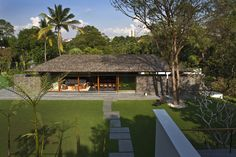 Jalan Kampun Chantek House in Singapore by BEDMaR SHi Design Consultants