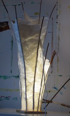Willow + paper = lamp / Weide + Papier = Lampe / Upcycling