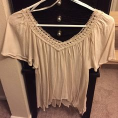 NWOT flowy, boho style top Never worn! In the color cream, slightly cropped. Junior sizing. None Tops Blouses
