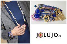 Pulsera-collar gamuza en color azul klein o blanco. www.jolujo.es
