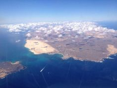 Isla de Lobos y Fuerteventura. Canario, Airplane View, Mount Everest, Mountains, Nature, Travel, Heavens, Canary Islands, Volcanoes