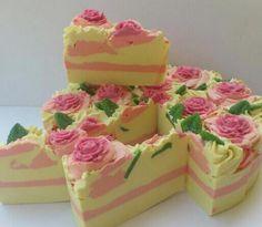 LE FLORISTE SOAP CAKE