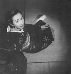 """taishou-kun: """"Fukuda Katsuji 福田 勝治 (1899-1991) Model from the book """"Onna no utsushikata, Zoku"""" 女の寫し方 """"How to Photograph Women #2"""" - 1939 """""""
