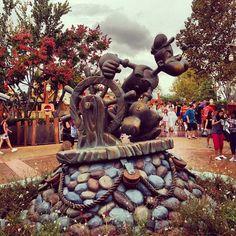 the Popeye statue inside Islands of Adventure at Universal Studios orlando florida