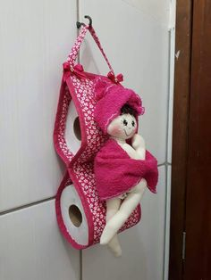 Felt Crafts, Diy And Crafts, Arts And Crafts, Fun Projects, Sewing Projects, Christmas Lawn Decorations, Bathroom Crafts, Homemade Home Decor, Hanging Organizer