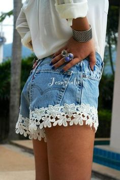 High Waisted Jeans for Women - High Waisted Denim # # Style - Stil Mode - Denim And Lace, Lace Denim Shorts, Sew Shorts, Denim Hair, Floral Shorts, Denim Jeans, Black Jeans, Diy Fashion, Ideias Fashion