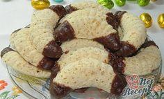 Jen 5 surovin vám stačí na přípravu vynikajících ořechových rohlíků. Při pečení se krásně nafouknou a na jazyku se rozplývají.