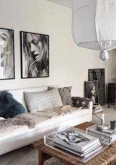My livingroom and the black and white prints - STIL inspiration