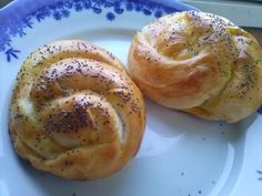 Placinte turcesti cu branza | Laura Laurențiu Pastry And Bakery, Bagel, Food And Drink, Bread, Romanian Recipes, Brot, Baking, Breads, Buns
