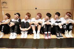 BTS ( ^.^)/ Staff Diary