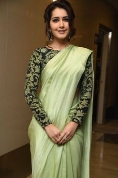 Looking for designer blouse patterns for sarees? Here are 15 most flattering models that will go well with any saree. Do try them and look chic. Blouse Back Neck Designs, Sari Blouse Designs, Saree Blouse Patterns, Fancy Blouse Designs, Designer Blouse Patterns, Saree Jacket Designs Latest, Choli Designs, Skirt Patterns, Coat Patterns