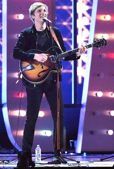 Play on, player: George Ezra took to the stage with his trusty guitar in hand as he performed Budapest George Ezra, Beautiful Voice, Beautiful People, Famous Celebrities, Celebs, Brit Awards 2015, Walk Off The Earth, Two Door Cinema Club, Paolo Nutini