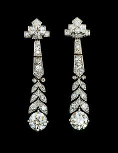 A Pair of Art Deco Platinum and Diamond Earrings, Cartier, dwts. - A Pair of Art Deco Platinum and Diamond Earrings, Cartier, dwts. Art Deco Schmuck, Bijoux Art Nouveau, Schmuck Design, Diamond Studs, Diamond Jewelry, Diamond Earrings, Stud Earrings, Flower Earrings, Art Deco Jewelry