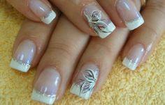 Diseños de uñas con acrílico, diseño de uñas de acrílico sencillo.   #uñas #decoratednails #uñassencillas