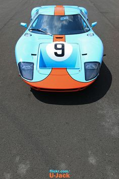 Gulf number 9 - Ford GT40