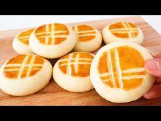 Mooncake Recipe, Beignet Recipe, Moon Cake, Holiday Recipes, Fun Recipes, Holiday Foods, Chinese Holidays, Mantecaditos, Pasta