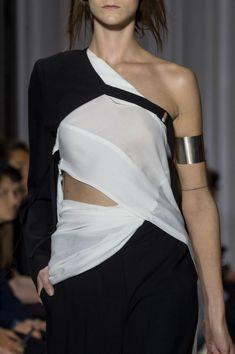 Asymmetric blouse, black & white fashion details // Ann Demeulemeester Spring 2017