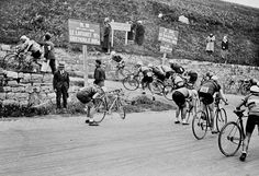 ..........Gear change ahead of a climb, 1929!