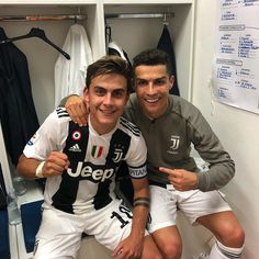 Dybala x Ronaldo 😍😍😍 Best Football Players, Football Is Life, Football Boys, Soccer Players, Cristiano Ronaldo 7, Juventus Fc, Cr7 Junior, Cr7 Messi, Madrid Football