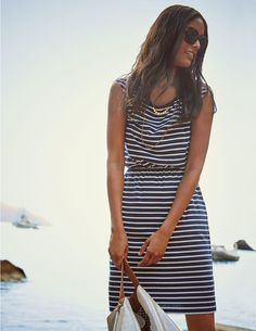 Take a look at our comfortable and stylish day dresses, here at Boden UK. Shop all the latest styles online now. Passion For Fashion, Love Fashion, Womens Fashion, Stil Inspiration, Fashion Inspiration, Marine Look, Mode Lookbook, Clothing For Tall Women, Day Dresses
