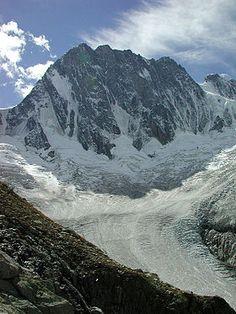 La face Nord des Grandes Jorasses et le glacier de Leschaux - Les Alpes