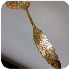 Fio Comprido Pena Grande  em Prata com Banho de Ouro +info: joias.she@gmail.com