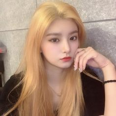 Kpop Girl Groups, Korean Girl Groups, Kpop Girls, Kpop Girl Bands, Boyfriend Pictures, Yuehua Entertainment, I Love Girls, Kpop Aesthetic, Beautiful Celebrities