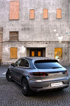 2M-Designs Gives the Porsche Macan its Tiger Stripes