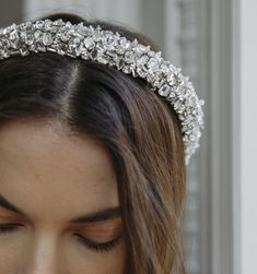 The Czarina Headband is a headband that crossed with a royal tiara. A padded headband is crystal-encrusted from end to end and is sure to be a showstopper. We love Czarina paired with anything– all white, prints, or (dare Diy Wedding Makeup, Wedding Makeup For Brown Eyes, Natural Wedding Makeup, Wedding Makeup Looks, Natural Makeup, Bride Headband, Wedding Headband, Lace Headbands, Hair Accessories For Women
