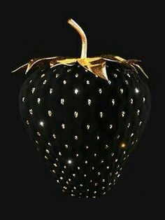 Black and Gold I Strawberry Beautiful Gif, Black Is Beautiful, Black Art, Black Gold, Color Black, Black Strawberry, Strawberry Delight, Or Noir, Animation