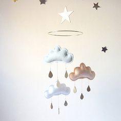 星と雲のモビール